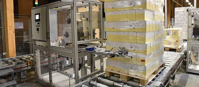 Pallet labeler in the dispatch center - small size - REA LABEL PLU